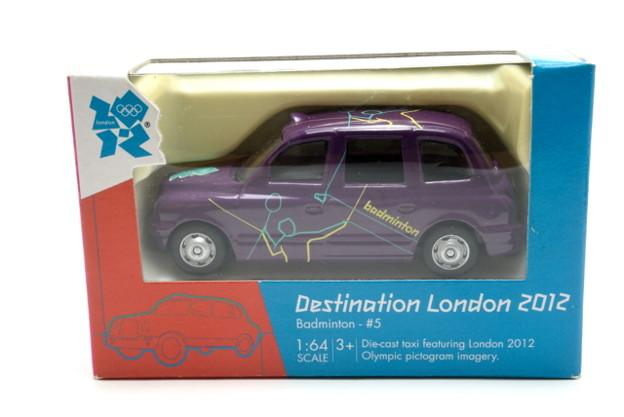 CORGI_Destination London 2012 Badminton #5_001