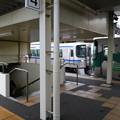 写真: 20150329_145205 北野桝塚 - 岡崎いきふつうと車庫にはいる電車