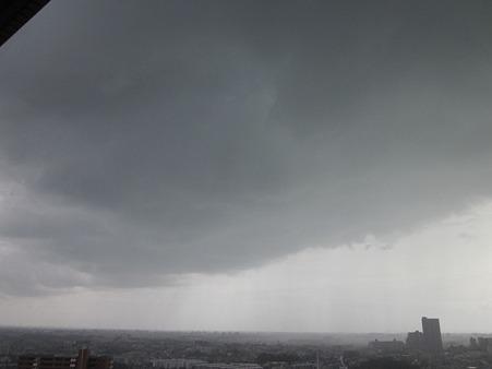 5月1日空模様(雨と晴れのエリア)
