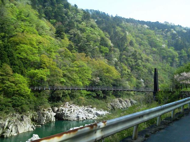 R41-04 飛騨川に架かる吊橋