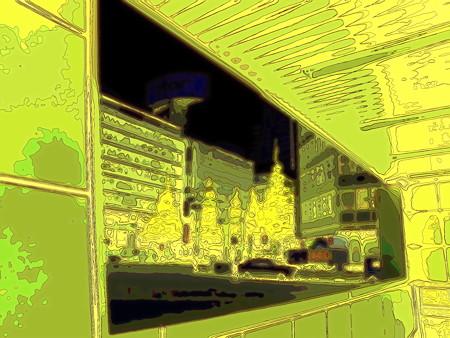 新宿駅西口バスターミナルにて-01c