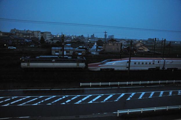 東海道線を行くE6系