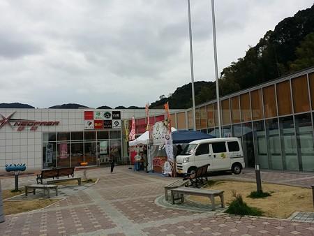新東名の静岡サービスエリア。 美味しい物が俺を誘う…