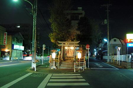 2012年01月01日_DSC_0840Y字路にある小さな神社