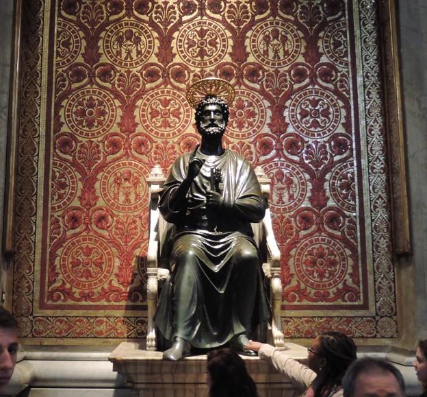 天国の鍵を持つ聖ペトロ