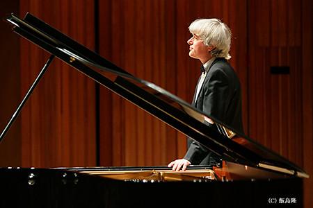 デジュー・ラーンキ ピアノ奏者 ピアニスト