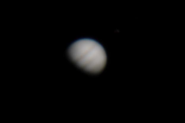 木星も月みたいに満ち欠けする?それとも天体望遠鏡の接眼部分にカメラのレンズを近づけて撮影するという古典的な撮影方法のため上手く写らなかっただけ?