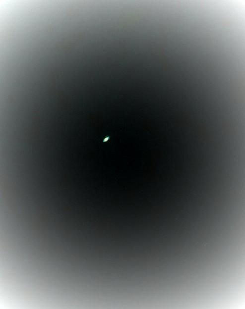 先日富士フィルムのファインピックスで撮影した土星をアプリで面白おかしく編集してみた
