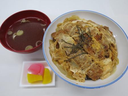 たつみ食堂分店 かつ丼(出前) ¥730