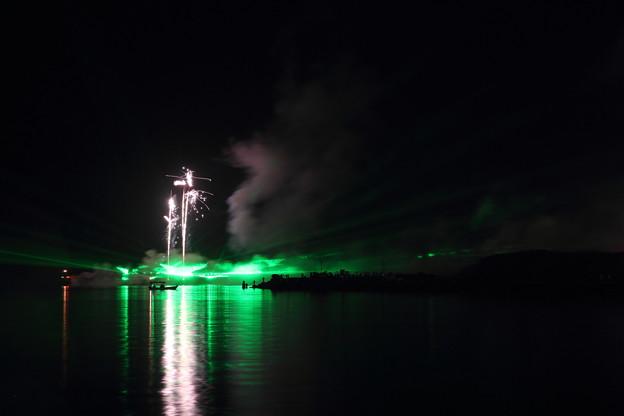 花火とレーザー