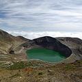 雲上の火口湖