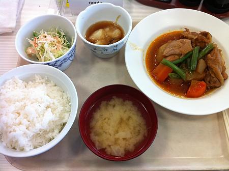 札幌市建設局下水道庁舎食堂 日替わり(鶏と大根のピリ辛煮)