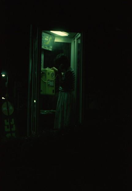 公衆電話ボックス(深夜編)