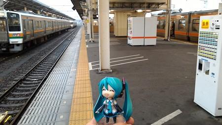 静岡駅に停車。約8分。 ミク:「ちょっと休憩ですね」