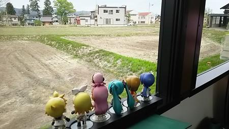 十日町→越後川口間。 今度は窓側席です。おチビちゃんステージフル...