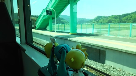 東館駅で、対向列車待ち3分。