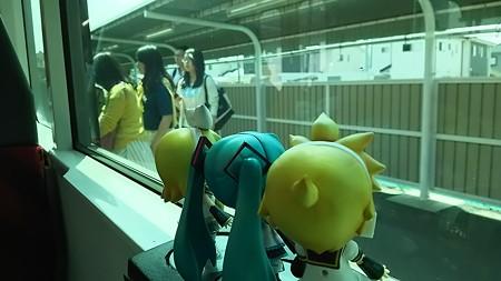 上菅谷駅に停車。水郡線の常陸太田支線が分岐しています。