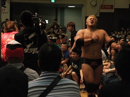 "DDT ""What are you doing 2012"" KO-D無差別級選手権試合 火野裕士vs飯伏幸太 (3)"