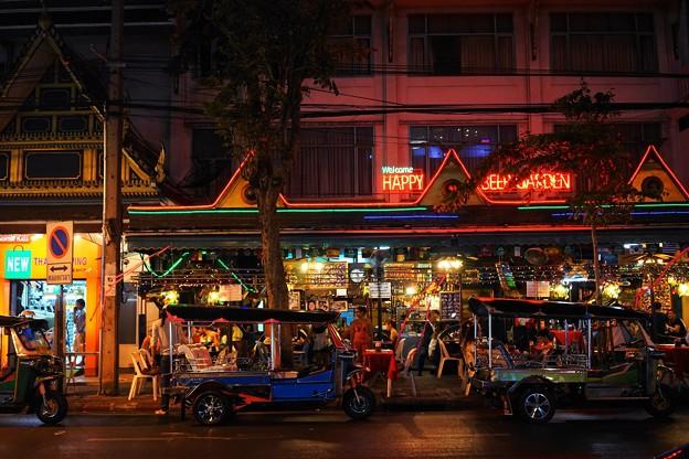 バンコク夜の街並み(タニヤ)3