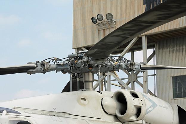SH-60K 対潜哨戒ヘリコプター ローター基部アップ IMG_1530_2