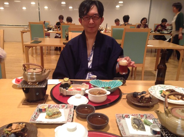 八坂駿 メシを食う の図