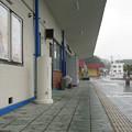 鳴門線鳴門駅の白ポストと周囲。建物から出て右の便所前。(2015年)