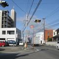 徳島県藍住町の生越建設前の白ポストと周囲。(2015年)