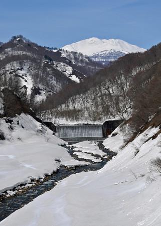 150328雪解けの川02