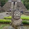 写真: ピラミッドの守護神か~ヒンドゥー彫刻 Temple Guardian?