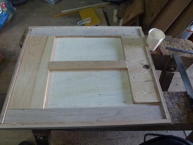オーディオラックの製作2 棚板裏面の補強2