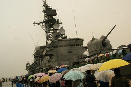 護衛艦も一般公開!(110602)