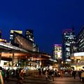 写真: 月曜日の有楽町駅