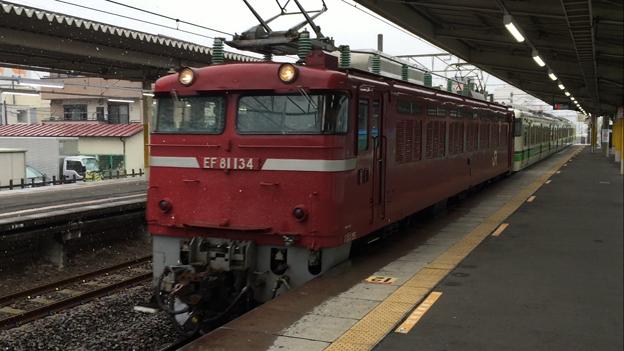EF81双頭+115系電車