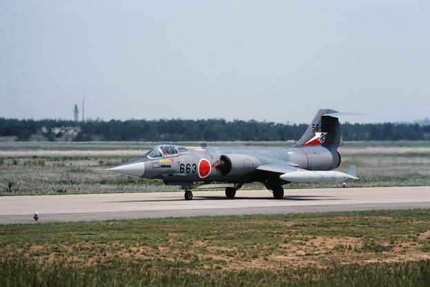 F-104J 56-8663 207sq KMQ 1982Jun