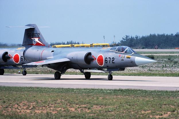 F-104J 56-8672 207sq KMQ 1982Jun (2)