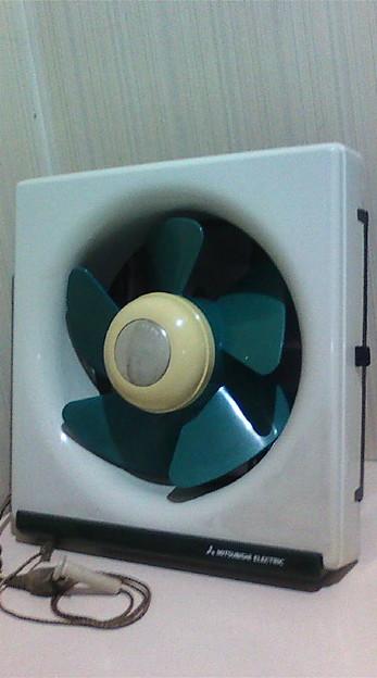 あれから軽く洗いました20LH5('81製)。元は台所用なのに、固定ピンの嬉し...