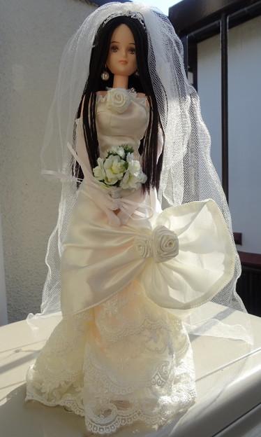 ウェディングドレス(ローズ リエール)を着たREINA