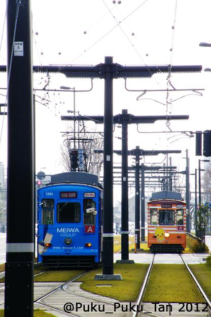 熊本駅前の電車通り。