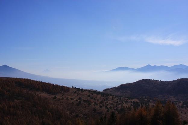 霧ヶ峰から富士山(微かに) 右は南アルプス