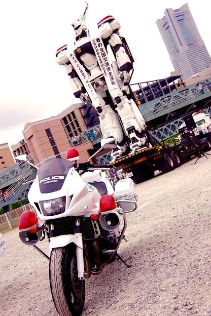 白バイ隊とイングラム。。神奈川県警 5月9日