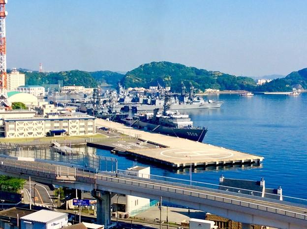 朝の横須賀基地。。練習艦停泊中です。。笑 5月10日