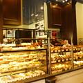 Photos: パンのいい香りがする店内@VIRON