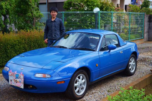 次男がマリナーブルーを洗車