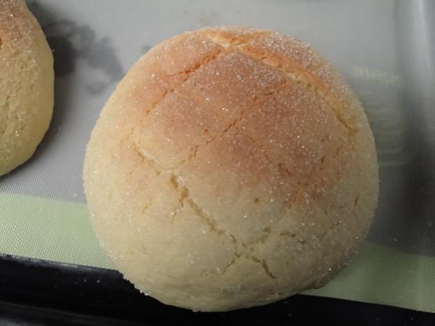 写真: 自家製メロンパン