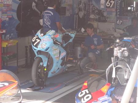 2014 鈴鹿8耐 Honda DREAM 和歌山 西中綱 岸田尊陽 新庄雅浩 CBR1000RR 65