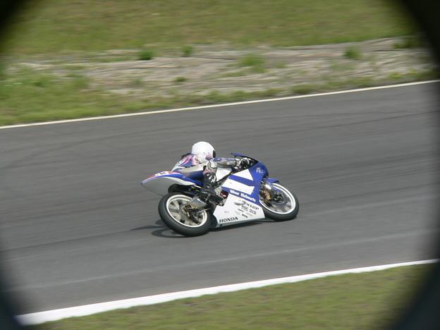 写真: 2014 #43 足立眞衣 NSF250R Hondaブルーヘルメット 全日本ロードレース J-GP3 jrr 116