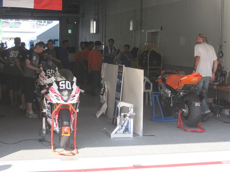 2014 鈴鹿8耐 TEAM MOTORS EVENTS APRIL MOTO Gregory FASTRE Michael SAVARY Jimmy STORRAR 52