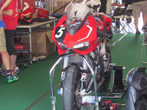 写真: 2014 鈴鹿8耐 スガイレーシングジャパン 須貝義行 蒲谷朋大 ドゥカティ 1199パニガーレR 157